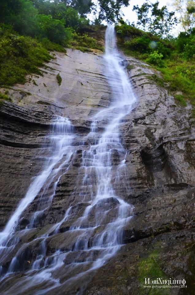 Kaliwaru Waterfall, sruweng